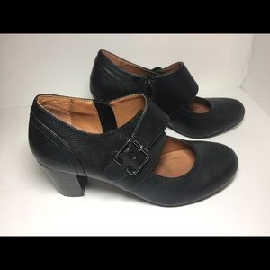 GH Bass & Co black Mary-Jane style, side zip sz 9M